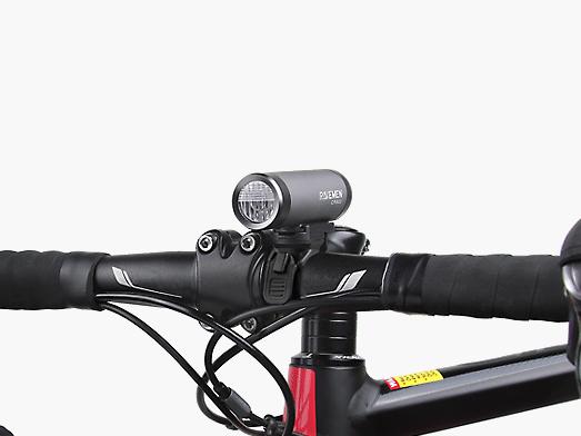 RAVEMEN CR300 bike light integrated design